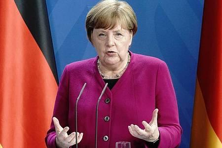 Kanzlerin Angela Merkel (CDU) trifft sich mit den Ministerpräsidenten. Foto: Kay Nietfeld/dpa-Pool/dpa