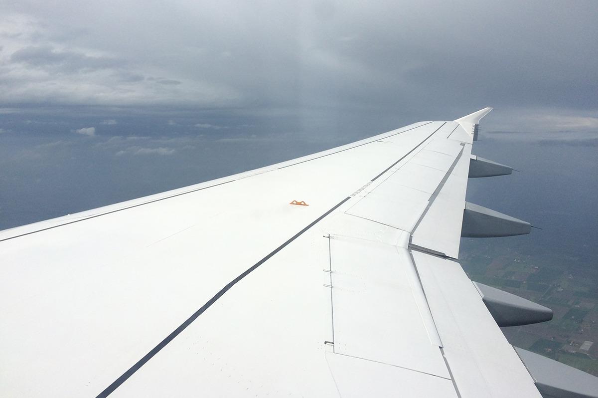 Flugzeug_Tragflaeche_Luft