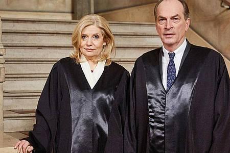 «Die Kanzlei» mit Sabine Postel als Isa von Brede und Herbert Knaup als Markus Gellert gewann den Fernsehabend für sich. Foto: Georg Wendt/dpa