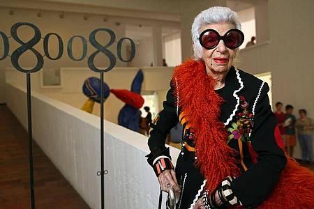 Iris Apfel wird 100. Foto: Toni Albir/EFE/dpa/Archivbild