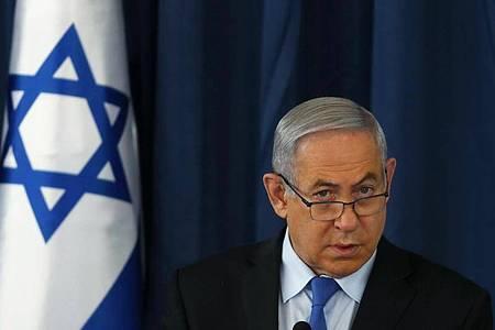 Israels Ministerpräsident Benjamin Netanjahu steht für sein Krisenmanagement zunehmend in der Kritik. Foto: Ronen Zvulun/Pool Reuters/AP/dpa