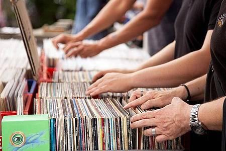 Die meisten altenSchallplatten haben kaum noch einenWert - doch es gibt Ausnahmen, die richtig Geld bringen. Foto: Kai Remmers/dpa-tmn