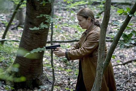 """Anne Marie Fuchs (Lina Wendel) in einer Szene aus """"Die Füchsin - Treibjagd"""". Foto: Martin Rottenkolber,/WDR/Oden TV/dpa"""