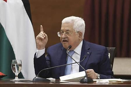 Palästinenserpräsident Mahmud Abbas nennt den Konflikt um Jerusalem als Grund für die Verschiebung der Wahl. Foto: Alaa Badarneh/Pool EPA/AP/dpa