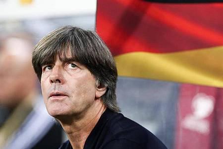 Bundestrainer Joachim Löw freut sich über die hohe Motivation der Bundesliga-Profis nach der Corona-Pause. Foto: Christian Charisius/dpa