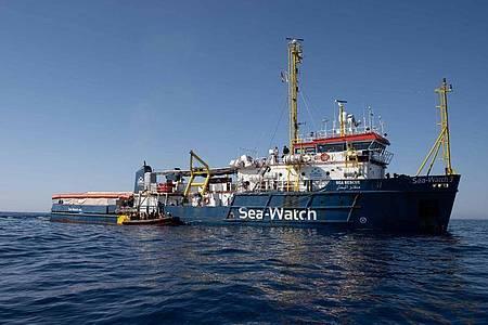 Das Archivfoto zeigt die «Sea-Watch 3» auf dem Mittelmeer vor Libyen. Foto: --/Sea Watch e.V./dpa