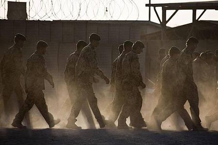 Bundeswehrsoldaten in Afghanistan. Nun geht der Einsatz am Hindukusch zuEnde. Foto: Michael Kappeler/dpa