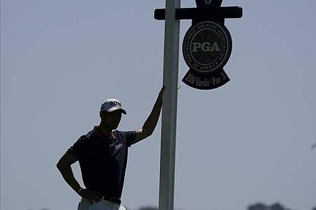 Ausgeschieden am zweiten Tag der PGA-Championship: Martin Kaymer. Foto: Charlie Riedel/AP/dpa