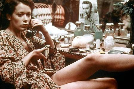 Sylvia Kristel als Hauptdarstellerin im Erotikfilm «Emmanuelle» aus dem Jahr 1974. Foto: --/ARTE/Emmanuelle Tinacra Films/dpa