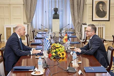 Bundesaußenminister Heiko Maas zu Gast bei seinem griechischen Amtskollege Nikos Dendias inAthen. Foto: Thomas Imo/photothek.net/dpa