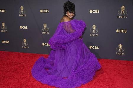 US-Comedian Nicole Byer auf dem roten Teppich der 73. Emmy Awards in Los Angeles. Foto: Chris Pizzello/Invision/dpa