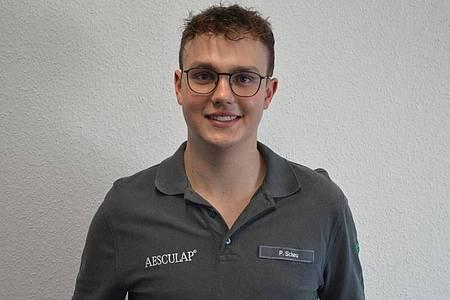 Pascal Scheu macht eine Ausbildung zum Chirurgiemechaniker. Foto: B. Braun Melsungen AG/dpa-tmn