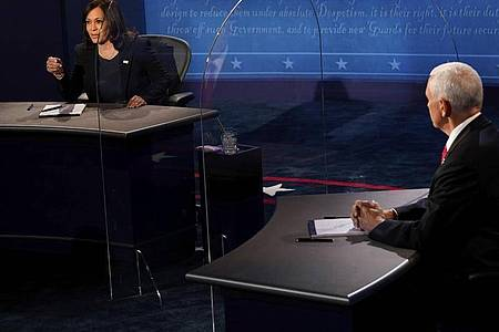 Die einzige TV-Debatte zwischen US-Vizepräsident Mike Pence und der demokratischen Kandidatin für das Amt, Kamala Harris, hat begonnen. Foto: Morry Gash/AP Pool/dpa