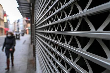 Ein geschlossenes Geschäft in Halle/Saale. Foto: Hendrik Schmidt/dpa-Zentralbild/dpa