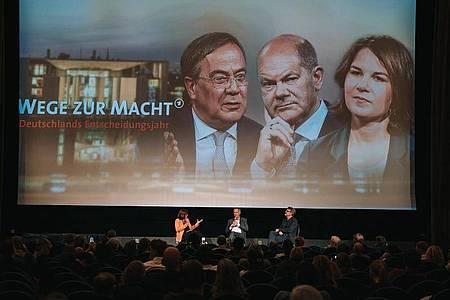 Preview der Dokumentation «Wege zur Macht. Deutschlands Entscheidungsjahr» in Berlin - mit anschließender Podiumsdiskussion. Foto: Simon Detel/rbb/dpa