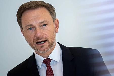 Christian Lindner setzt im Bund auf Schwarz-Gelb, eine Ampelkoalition aus Grünen, SPD und FDP sieht er kritisch. Foto: Bernd von Jutrczenka/dpa