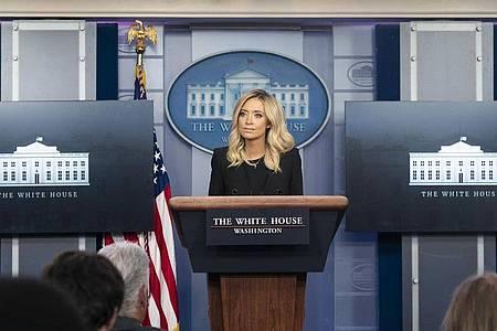 Kayleigh McEnany, Pressesprecherin des Weißen Hauses, hält am 1. Mai ihre erste Pressekonferenz im Weißen Haus. Foto: Joyce N. Boghosian/White House/dpa
