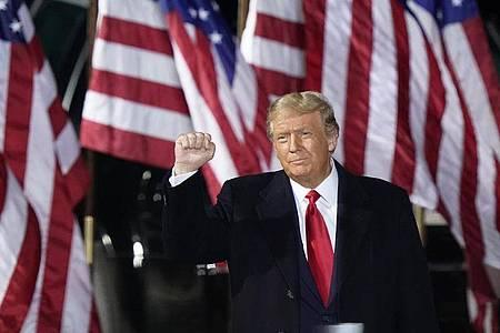 Will die Ginsburg-Nachfolge noch unbedingt in dieser Amtszeit klären: US-Präsident Donald Trump. Foto: Tony Dejak/AP/dpa
