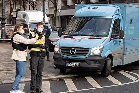 Die Polizei hat nach einem Überfall am Berliner Kurfürstendamm einen Tatverdächtigen festgenommen. Foto: Bernd von Jutrczenka/dpa
