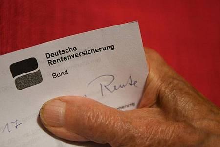 Eine Festlegung für eine höhere reguläre Altersgrenze für den Rentenzugang traf die Kommission nicht. Foto: Felix Kästle/dpa