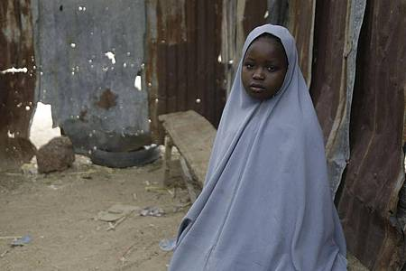Die Schülerin Amtallahi Lawal aus Jangebe entging einer Entführung, weil sie sich unter ihrem Bett versteckte. Foto: Sunday Alamba/AP/dpa