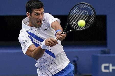 Novak Djokovic ließ seinen Frust ab und wurde disqualifiziert. Foto: Seth Wenig/AP/dpa