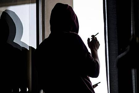 Viele junge Menschen sind überzeugt, dass sich ihr Leben während der Pandemie stark verschlechtert hat. Foto: Fabian Sommer/dpa