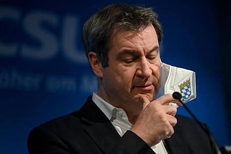 Markus Söder gibt nach der virtuellen CSU-Präsidiumssitzung eine Pressekonferenz. Foto: Peter Kneffel/dpa