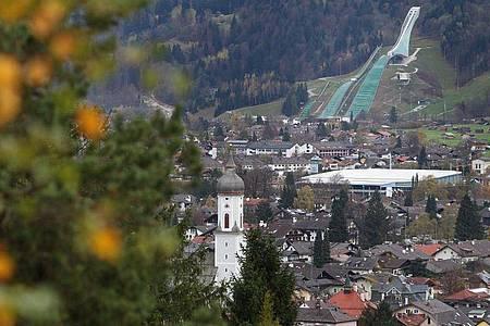 Blick auf Garmisch-Partenkirchen in Oberbayern. Foto: Karl-Josef Hildenbrand/dpa