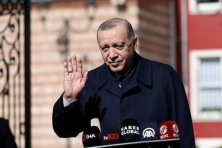 Der türkische Präsident Recep Tayyip Erdogan. Unabhängig vom Erdgasstreit will die EU die Zusammenarbeit mit der Türkei in Bereichen wie Grenzschutz und Bekämpfung illegaler Migration ausbauen. Foto: -/Xinhua/dpa