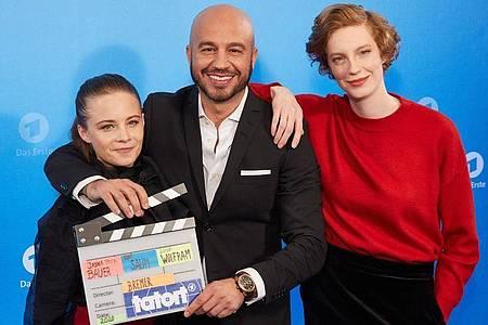 Jasna Fritzi Bauer (l-r), Dar Salim und Luise Wolfram sind im Bremer «Tatort» zu sehen. Foto: Georg Wendt/dpa