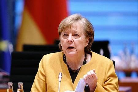 Bundeskanzlerin Angela Merkel (CDU) nimmt an der Sitzung des Bundeskabinetts im Bundeskanzleramt teil. Foto: Kay Nietfeld/dpa-Pool/dpa