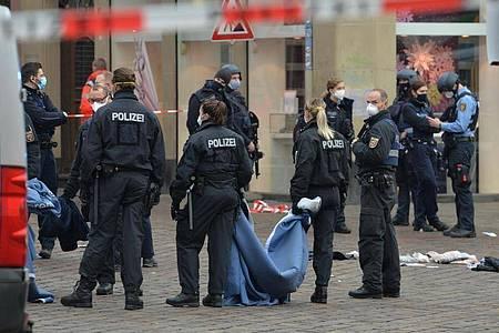 Der Tatort, eine Fußgängerzone in Trier:Die Menschen, die den Angriff überlebten, erlitten erhebliche Verletzungen unterschiedlicher Schwere. Foto: Harald Tittel/dpa
