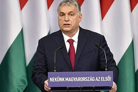 Ungarn verfolgt unter seinem Ministerpräsidenten Viktor Orban seit Jahren eine Politik der Abschottung und Abschreckung von Flüchtlingen und Migranten. Foto: Zsolt Szigetvary/MTI/dpa