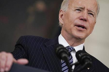 US-Präsident Joe Biden bescheinigt den Amerikanern große Fortschritte bei der Impfung gegen Corona. Foto: Evan Vucci/AP/dpa