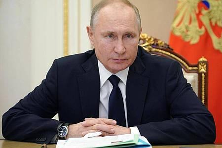 Der russische Präsident Wladimir Putin im Kreml bei einer Videokonferenz. Foto: Alexei Druzhinin/Pool Sputnik Kremlin/AP/dpa