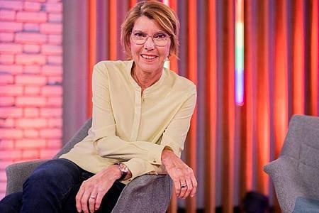 Bettina Böttinger will ihren Gästen ein ganz besonderes Gefühl vermitteln. Foto: Rolf Vennenbernd/dpa