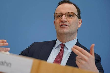 Gesundheitsminister Jens Spahn bei der Pressekonferenz zum Impfstart in Hausarztpraxen. Foto: Michael Kappeler/dpa