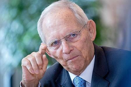 Bundestagspräsident Wolfgang Schäuble wird die erste Sitzung des neu gewählten Bundestags eröffnen. Foto: Kay Nietfeld/dpa