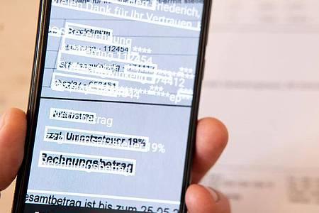Automatische Texterkennung (OCR) spart lästige Abtipperei. Foto: Florian Schuh/dpa-tmn