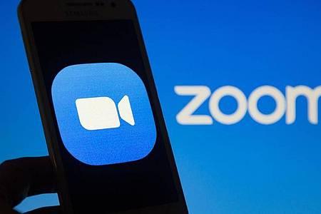 Zoom wurde während der Corona-Pandemie zunehmend auch für private Online-Zusammenkünfte genutzt. Foto: Andre M. Chang/ZUMA Wire/dpa