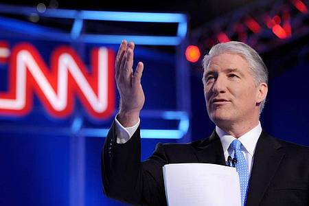 John King von CNN ist für viele Zuschauer der Wahlerklärer. Foto: Erik S. Lesser/EPA/dpa