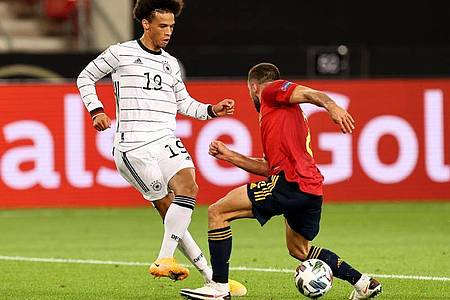 Gab wie sein Bayern-Teamkollege Süle nach langer Verletzungspause sein Comeback: Leroy Sané. Foto: Christian Charisius/dpa