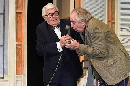 Bis Anfang dieses Jahres stand Peter Weck mit Friedrich von Thun in der Komödie «Sonny Boys» noch auf der Theaterbühne. Foto: Felix Hörhager/dpa
