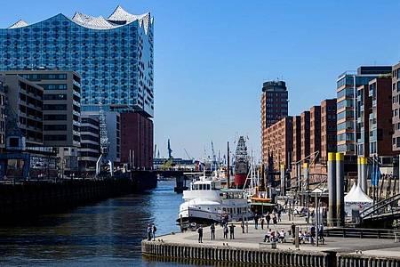 Hamburg verdrängt Berlin vom digitalen Spitzenplatz. Foto: Axel Heimken/dpa