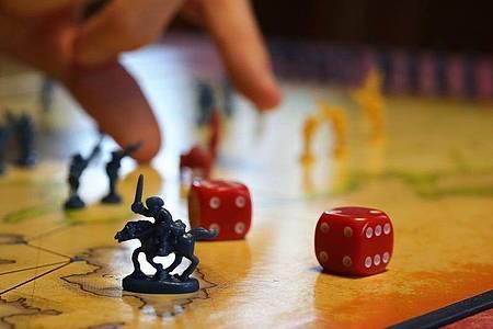 Mal wieder Lust auf ein Brettspiel?. Foto: Karl-Josef Hildenbrand/dpa