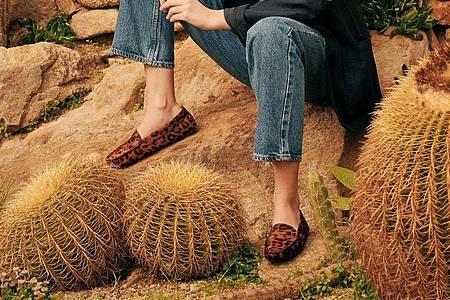 Flache Schuhe - das ist der Schuhtrend für diesen Sommer. Scarosso zum Beispiel hat dafür flache Loafer im Programm (225 Euro). Foto: Scarosso/dpa-tmn