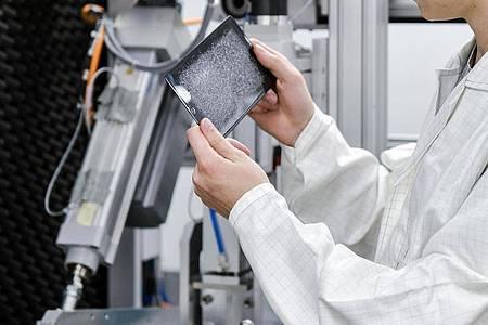 Zweijährige Ausbildungen gibt es fast in allen Branchen. Oft da, wo viel automatisiert abläuft, etwa in der Chemieindustrie. Foto: Kirsten Neumann/dpa-tmn