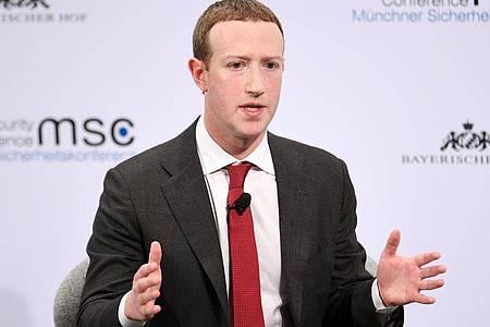 Nach Ansicht von Mark Zuckerberg wird in zehn Jahren jeder zweite Mitarbeiter nicht im Büro arbeiten. Foto: Tobias Hase/dpa