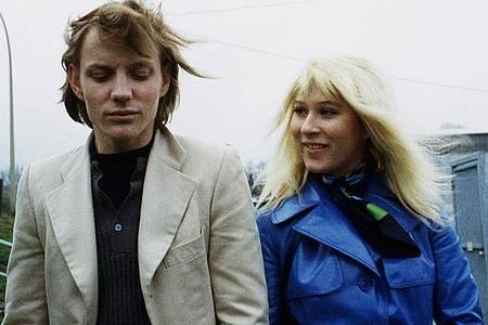 Eva Mattes als Monika und und Charly Wierzejewski als Willi in einer Szene des Films «Supermarkt» (1973). Foto: Filmgalerie 451/Eine Stadt sieht einen Film